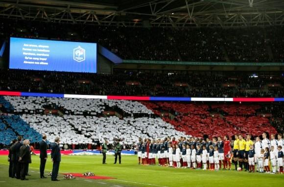 """Durante el partido entre Inglaterra y Francia, en Londres, se cantó """"La Marsellesa"""". Foto: AFP."""