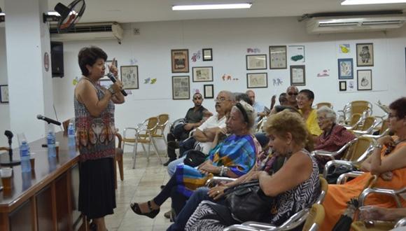 Instantánea de las sesiones del Evento Teórico del Concurso Caracol 2015.