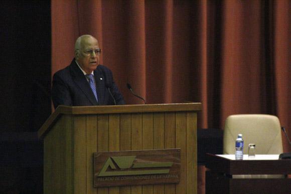 Ricardo Cabrisas, ministro interino de Comercio Exterior y la Inversión Extranjera, fue el encargado de las palabras de clausura. Foto: José Raúl Concepción/Cubadebate