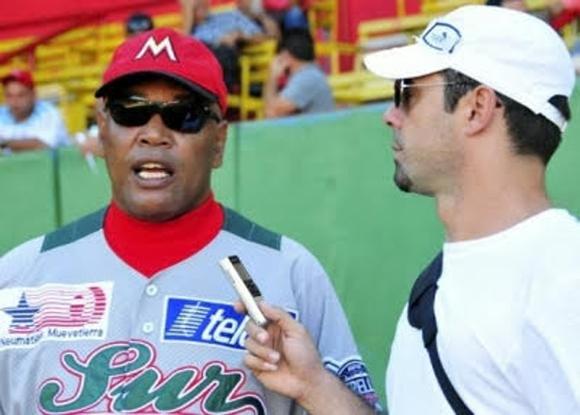 Michel Contreras durante una entrevista con Víctor Mesa.