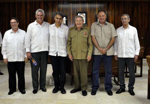 Recibe Raúl Castro a líderes del Partido Progresista chileno