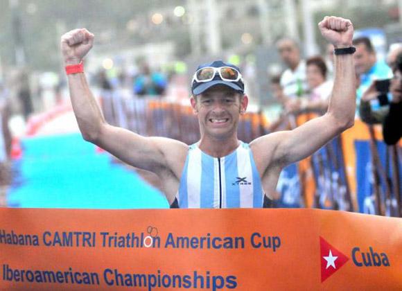 El argentino Juan Manuel Asconape, otro de los que sonrieron en la primera edición. Foto: Ricardo López Hevia.