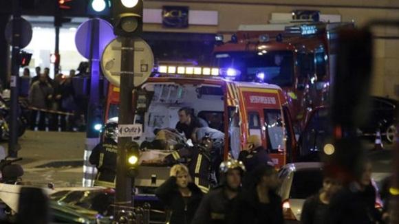 Los tiroteos se produjeron en los distritos 10 y 11 de París. Foto AP.