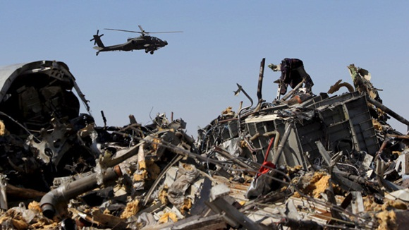 Los restos del avión ruso Airbus A321 accidentado en Egipto. Foto: Reuters.
