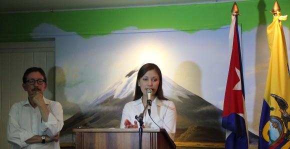 La Cónsul durante la conferencia de prensa. Foto: David Vázquez/ Resumen Latinoamericano