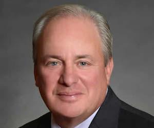El congresista Michael Doyle.