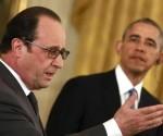 """Hollande y Obama celebraron un encuentro urgente en la Casa Blanca del que sólo salió una vaga declaración para """"llevar a cabo una escalada"""" en Iraq y Siria, según declaró el Presidente de Francia, quien dejó claro que tanto París como Washington están muy irritados con la decisión rusa de atacar a las """"fuerzas moderadas"""" en Siria. Foto: Yuri Gripas/ AFP-PH-WNI."""