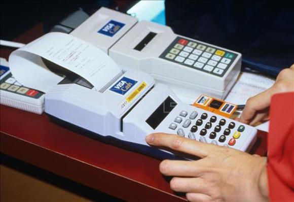 Cuba extenderá uso de tarjetas magnéticas en 2016