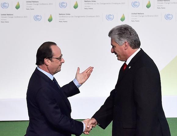 Hollande dio la bienvenida a Miguel Díaz Canel en la Cumbre. Foto: Getty Images.