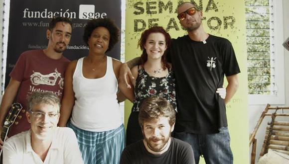 Yanaysa Prieto, Adrián Berazaín y Papá Humbertico, junto a los españoles Mónica Vázquez, Adán Carreras y Alberto Alcalá.