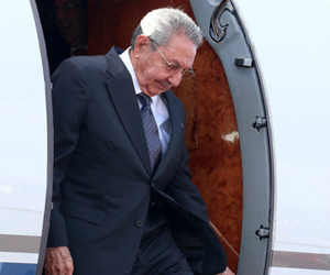 Presidente cubano Raúl Castro llega a Francia para visita de Estado