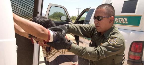 Desarticulan red de traficantes de personas que operaba en México y EEUU