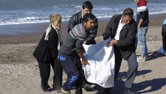 La cantidad de naufragios en Grecia sigue en aumento debido a las fuertes condiciones climáticas. | Foto: EFE