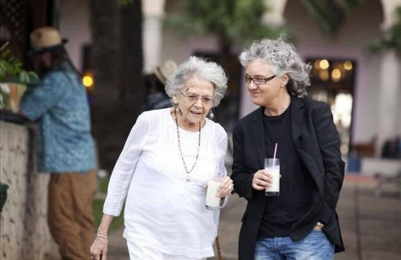 A la rica piña colada con Marta Valdés, dos almas gemelas más allá de la distancia.  Foto: Isabel Camps