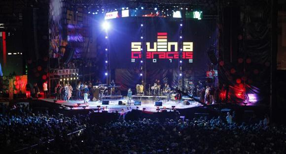 Dúo cubano Buena Fe actúa en Caracas