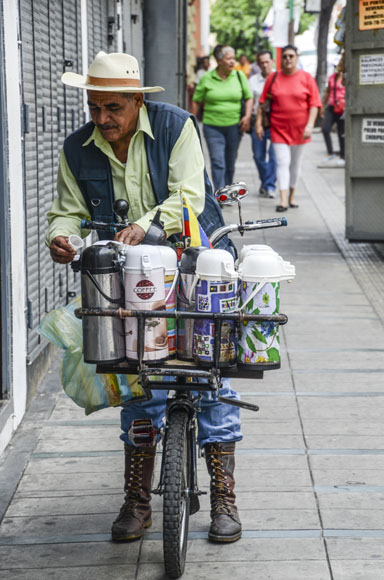 En la calle puede disfrutarse de un buen café venezolano,