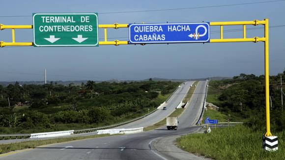 Viaducto de la Zona Especial de Desarrollo Mariel. Foto: Ladyrene Pérez / Cubadebate