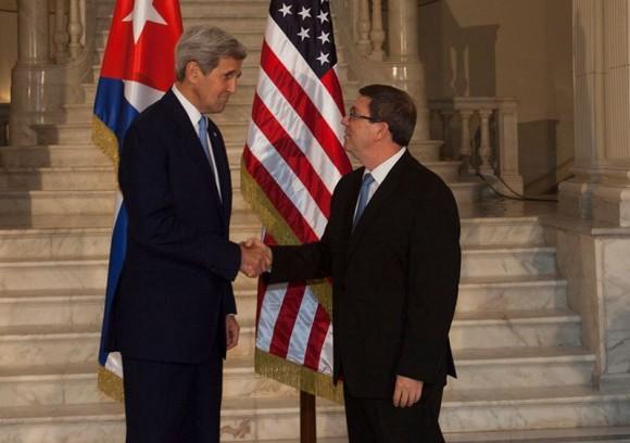 Kerry y Bruno en La Habana, el 14 de agosto de 2015. Foto: Ismael Francisco