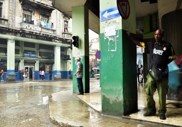 Lluvia de tempranas horas de la mañana. Foto. Roberto Garaicoa Martínez. CUBADEBATE