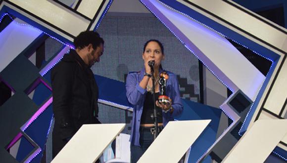 3 la intérprete de canción fácil, video ganador de los premios lucas 2015