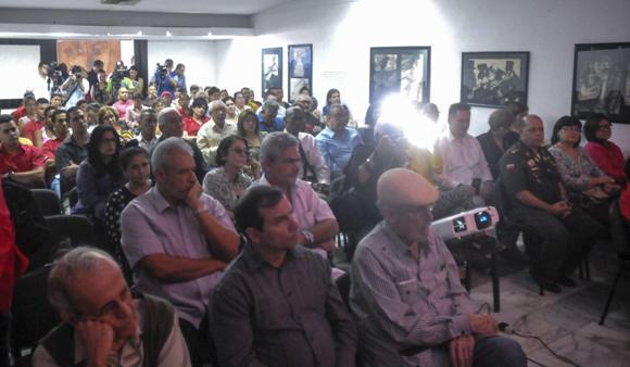 Varias personalidades cubana asistieron al encuento. Foto: Oriol de la Cruz Atencio/ AIN.