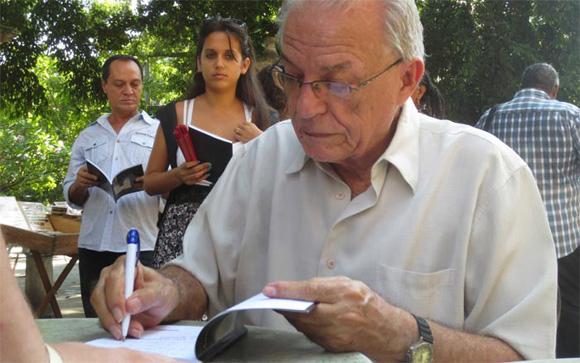 Antón Arrufat durante la presentación del poemario Vías de extinción en octubre de 2014. El libro