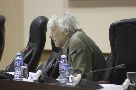 Armand Mattelart durante su conferencia magistral en ICOM-2015. Foto: José Raúl Concepción/Cubadebate.