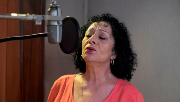 Beatriz Márquez presenta álbum Mis duetos