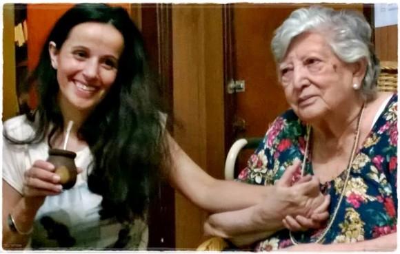 Clara Anahí y Chicha Mariani. Foto: Facebook.