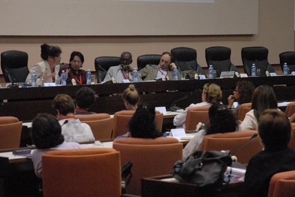 En la penúltima jornada del evento estudiosos de la comunicación reflexionaron sobre la inter y la transdiciplinaridad en el capo comunicional. Foto: Yoandry Ávila.