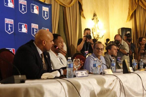 Delegación de Grandes Ligas durante la conferencia de prensa celebrada en el Hotel Nacional de Cuba. Foto: José Raúl Concepción/Cubadebate.