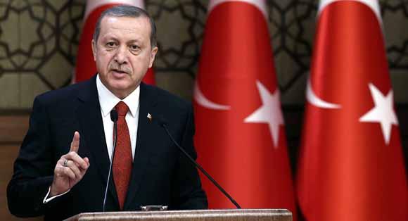 El presidente turco se niega a retirar sus tropas. Foto: Yasin Bulbu/AP.