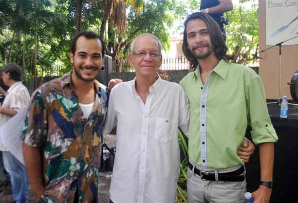 De izq a der Carlso Enrique Almirante, Gerardo Chijona y Hector Medina, durante el rodaje de La Cosa Humana. Foto: Yander Zamora/Cubahora.