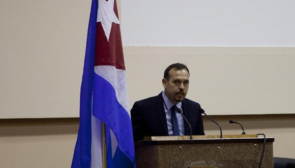 Raúl Garcés, decano de la Facultad de Comunicación de la Universidad de La Habana, durante ICOM-2015. Foto: Cubadebate/ Ismael Francisco.