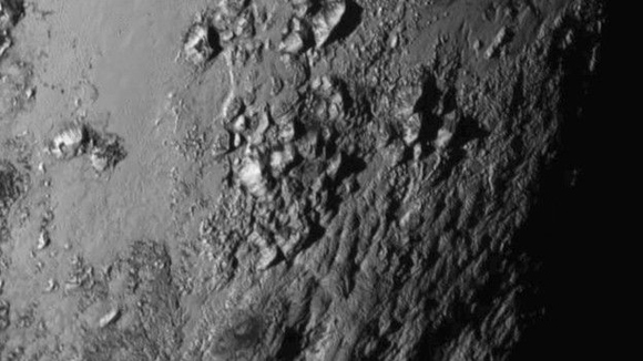 La sonda New Horizons pasó por Plutón a una velocidad de 14 kilómetros por segundo. Foto: Nasa.