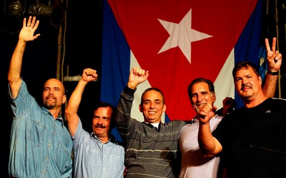 Los Cinco, la Victoria. En el Concierto de Silvio Rodríguez, 20 de diciembre de 2014. Foto: Ismael Francisco / Cubadebate
