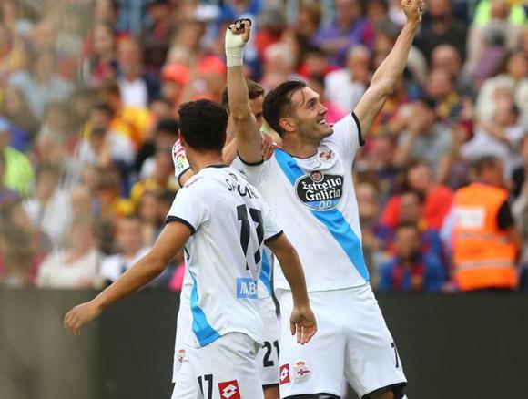 Lucas pérez, estrella del Depor con 11 goles en Liga, celebra el primer gol de su equipo. Foto: Mundo Deportivo.