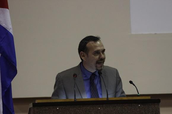 Raúl Garcés ofreció las palabras de clausura. Foto: José Raúl Concepción/Cubadebate.