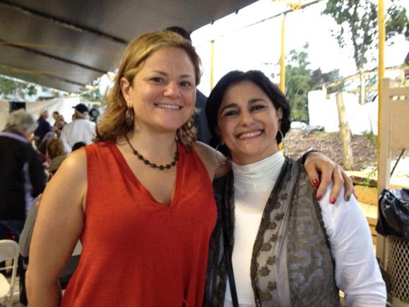Melissa Mark-Viverito, Presidenta del Concejo Municipal de Nueva York, confraterniza en la Fiesta de la Bandera.