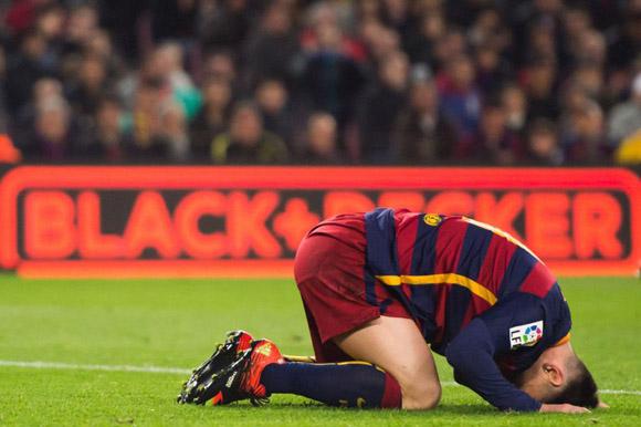 Messi se lamenta.  Foto: Alex Caparros/Getty Images.