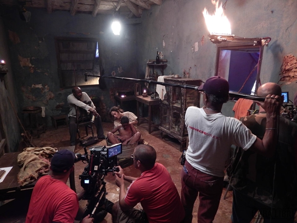 "Momento del rodaje del filme. Foto tomada del sitio de ""Cuba Libre""."