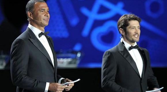 Los ex futbolistas Ruud Gullit y Bixente Lizarazu fueron los maestros de ceremonia.
