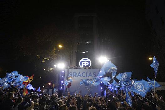 Seguidores del PP, partido que gobernó en los últimos cuatro años. Foto EFE.