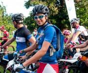 Ciclistas cubana Olga Echenique sonríe en la línea de meta antes de comenzar la cuarta etapa Viñales-Viñales (73 km) de la Titán Tropic Cuba de ciclismo de montaña el miércoles 9 de diciembre de 2015. FOTO de Calixto N. Llanes/Juventud Rebelde (CUBA)