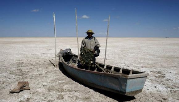 Un lago convertido en un desierto, es lo que le sucedió al Poopó. Foto: Reuters.