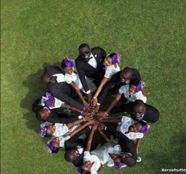 Una boda en Aburi, en Ghana, fue captada desde un ángulo muy poco usual por un usuario que se identificó como Aeroshutter.