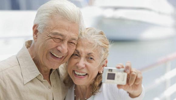 Según  un estudio británico la longevidad no está asociada a la felicidad.