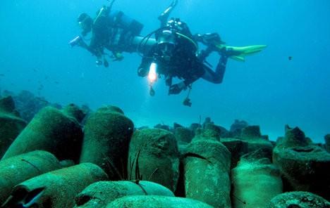 Los investigadores han averiguado cuál era el contenido de las ánforas gracias a que las tinajas descubiertas eran de un tipo empleado exclusivamente para la salsa de pescado (garum).