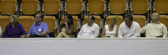 Los Cinco y sus familiares en la Asamblea. Foto: Ismael Francisco/ Cubadebate