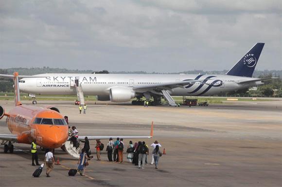 Amenaza de bomba fuerza aterrizaje de avión de Air France